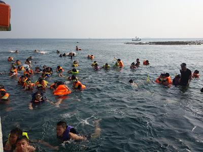 Snorkling di Pulau Tidung