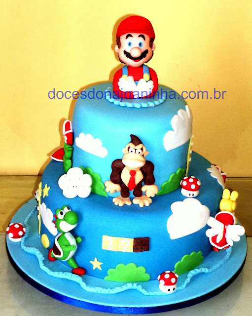 Bolo decorado com Super Mario e Donkey Kong