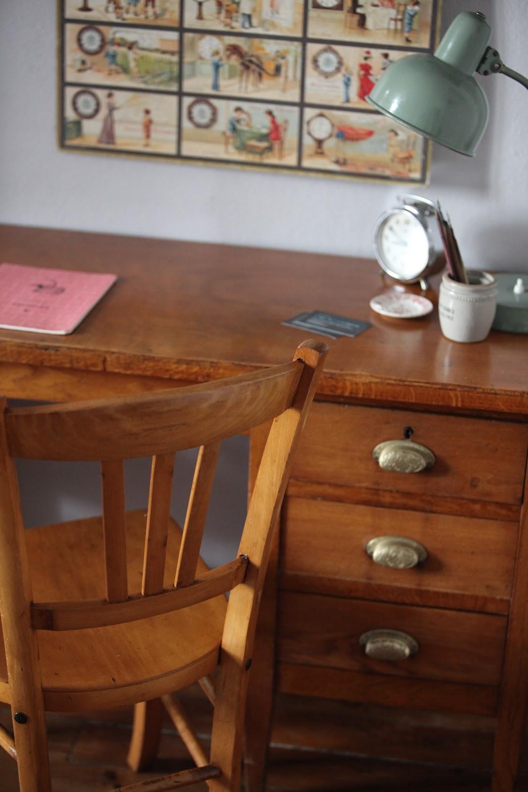 c 39 est la re cr ation vintage scolaire vintage coup de c ur petit bureau comptable. Black Bedroom Furniture Sets. Home Design Ideas