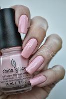 http://kakinenailart.blogspot.fr/2013/10/china-glaze-pink-of-me-pink-of-me.html