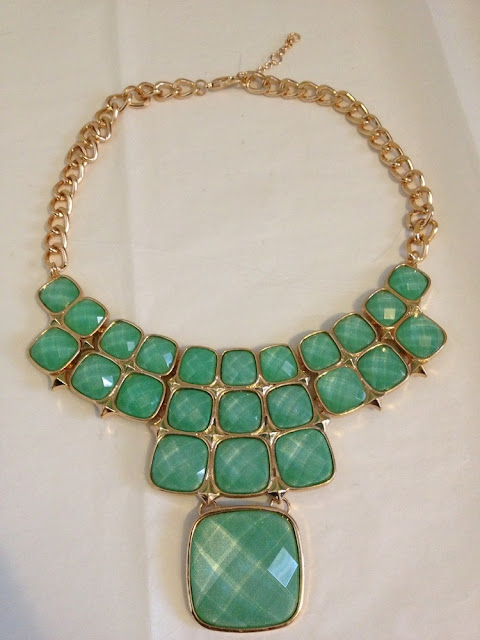 NECKLACE JUNKIE BOUTIQUE