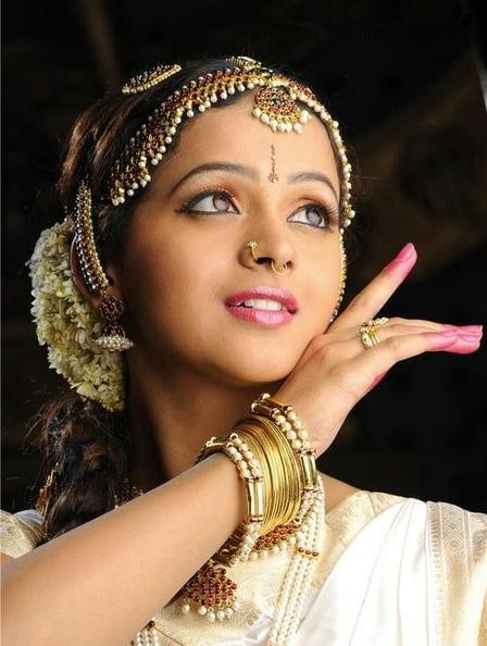Bhavana Cute pics In South Indian Dance Poses