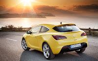 Opel Astra GTC back