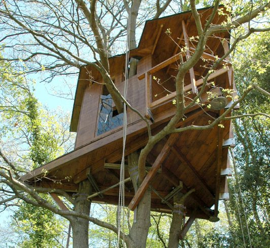 La casa sull 39 albero idea arredo for Case moderne nei boschi