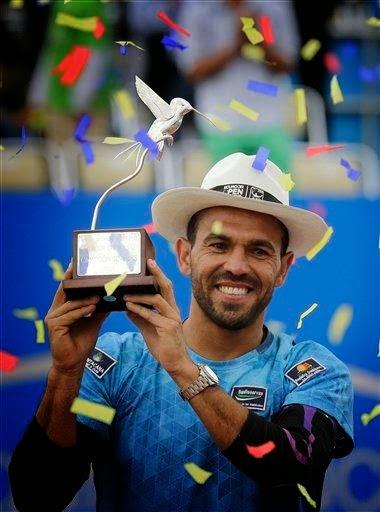 Victor Estrella hace historia con primer titulo ATP con 34 años de edad