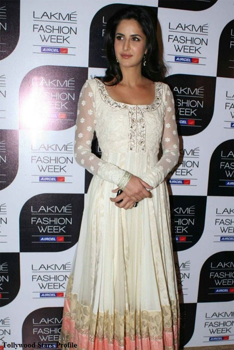 katrina kaif white dress hot images