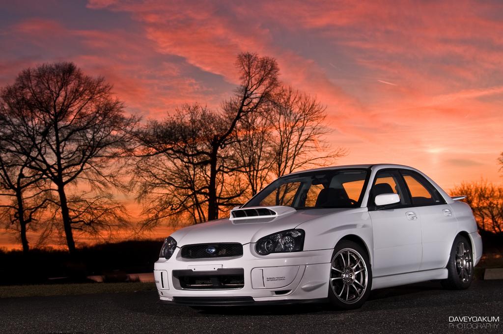 Subaru Impreza GD, japoński sportowy samochód, motoryzacja, jdm, zdjęcia, fotki, photos, tuning, nocna fotografia, samochody nocą, po zmroku, auto, sedan, kultowy, legenda, rajdy
