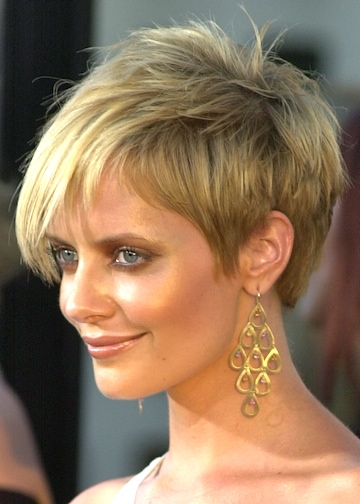 cute short haircuts for thick hair. short hair styles 2011 for