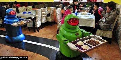 Makan di Restoran Ini Anda Akan Dilayan Oleh Robot