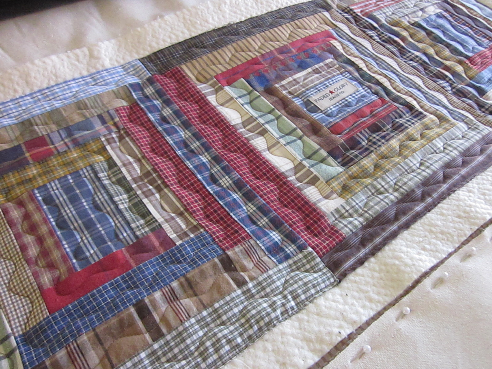 Man Cave Quilt Pattern : Zany quilter man cave table runner