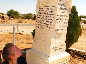 Eerwaarde/ds Leonard se graf. Grondlegger van die NGK in Namibië