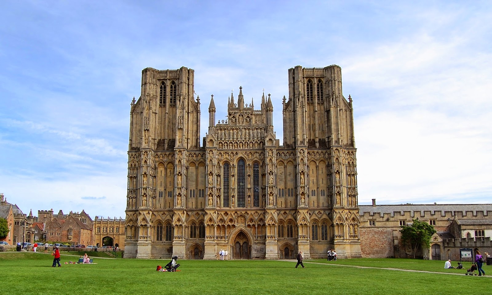 West facade of Wells Cathedral