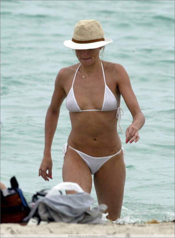 Cameron Diaz Hairstyle Trends Pictures Of Cameron Diaz In Bikini