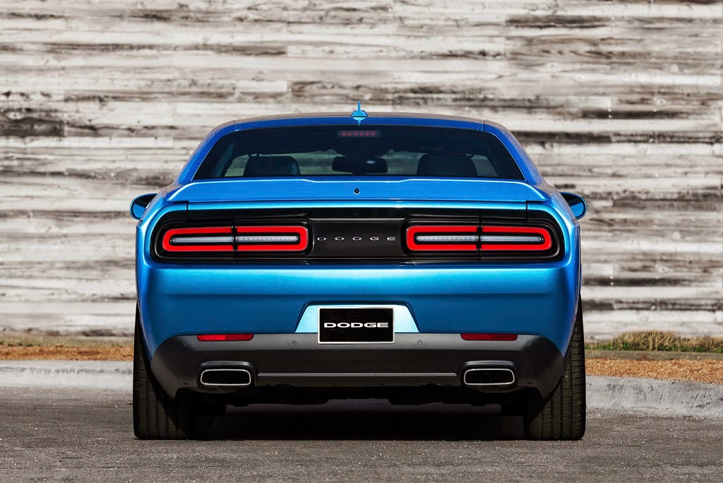 Rear view of 2015 Dodge Challenger SXT Plus