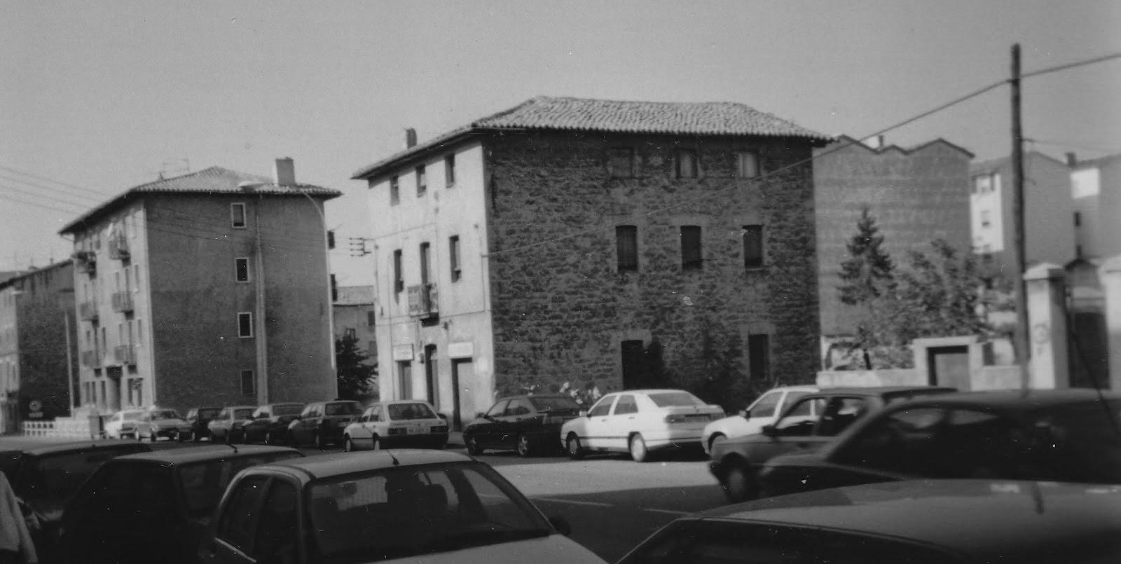 Memorias del viejo pamplona plazas y calles de ayer y de for Renovacion de casas viejas