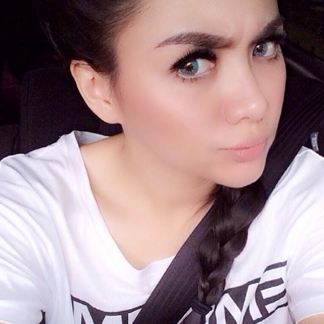 Download image Galeri Foto Selfie Vicky Shu Model Dan Penyanyi Cantik ...