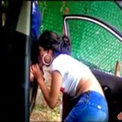 Rapidinha Dentro do Carro - Videos de Flagras Amadores - http://www.videosamadoresbrasileiros.com