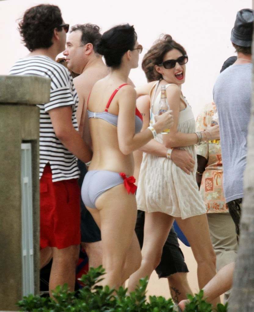 Katy perry without dress hot bikini photoshoot unseen images