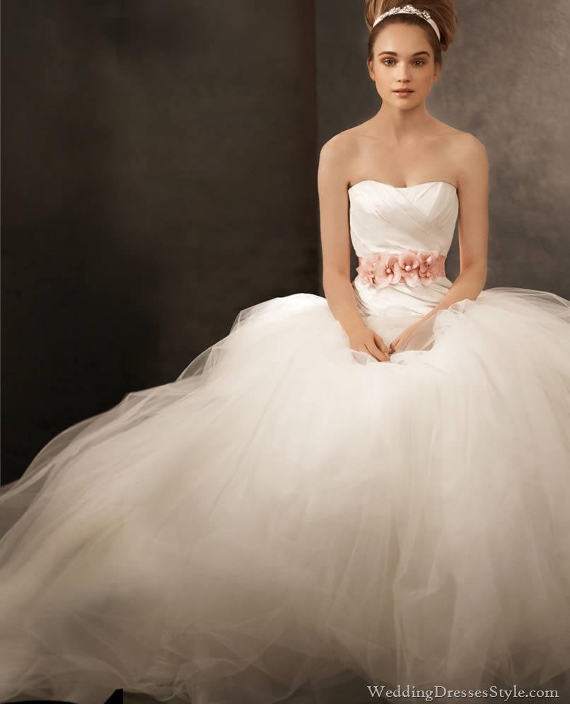 The sunset malibu vera wang spring 2012 collection for Vera wang beach wedding dress