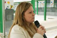 Carla Rabello, Diretora do Departamento de Educação, dá boas vindas aos participantes do encontro estadual
