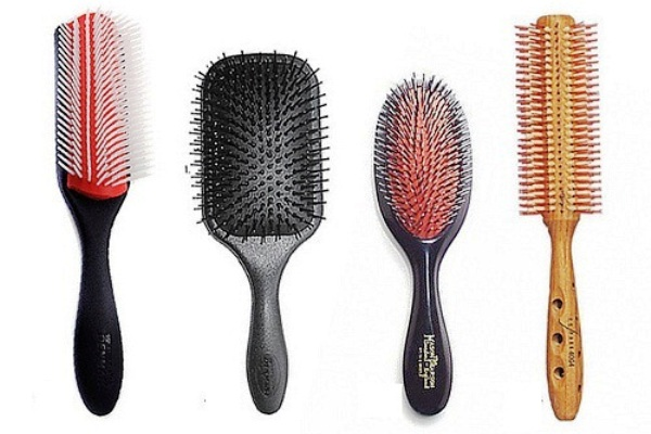 Image result for menggunakan berbagai sisir rambut