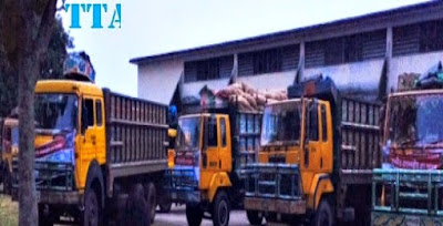 Titas transport rice loaded vehicle waiting  for invoice going to Nepal.