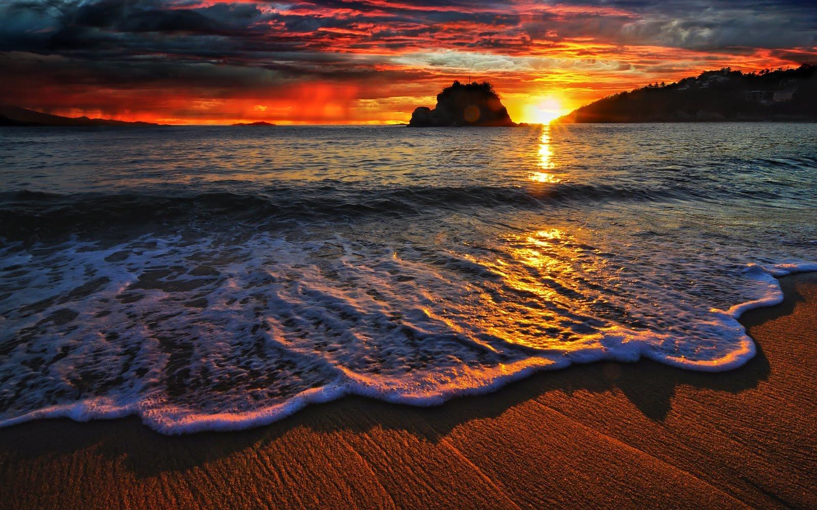 Imagenes del agua en la naturaleza imagen del mar ocultandose el sol