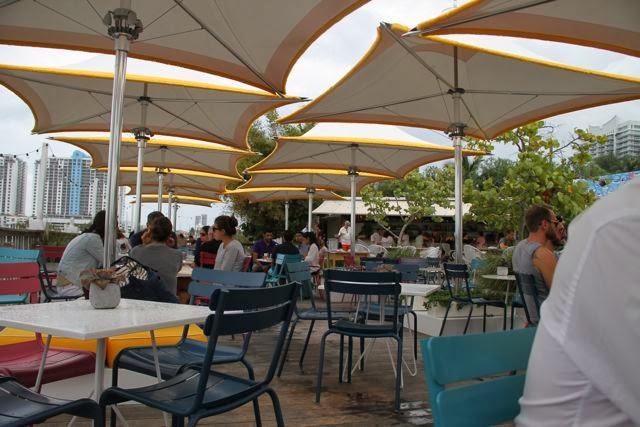 Terraza del Restaurante Lido de Miami. Blog Esteban Capdevila