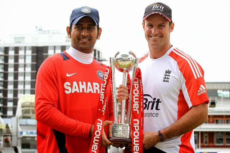 Andrew-Strauss-MS-Dhoni