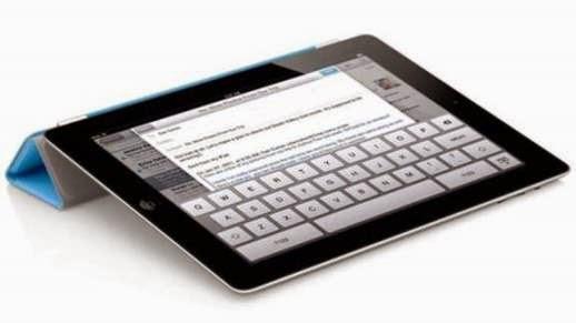Το λεπτότερο, ελαφρύτερο και ταχύτερο iPad 2 κυκλοφόρησε στις αρχές του 2011. Ήταν το τελευταίο προϊόν που ο Steve Jobs παρουσίασε για την Apple. Πέθανε στις 5 Οκτωβρίου, 2011.