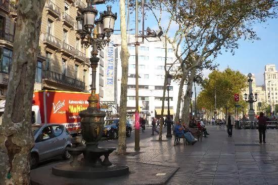 Visitar las Ramblas de Barcelona - Canaletas