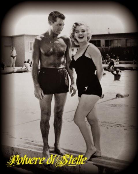 New polvere di stelle vestivamo alla marinara - Costume da bagno anni 30 ...