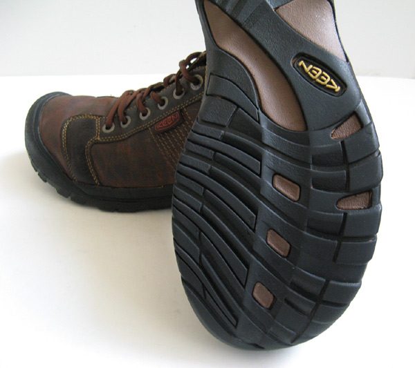 closet keen black leather shoes keen brown