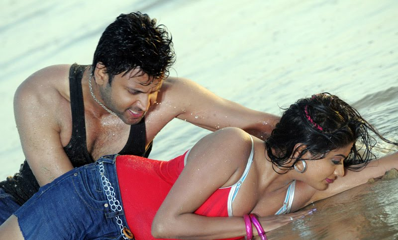 South Indian bhabhi beach romance