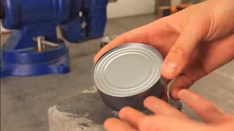 Como abrir uma lata sem qualquer ferramenta