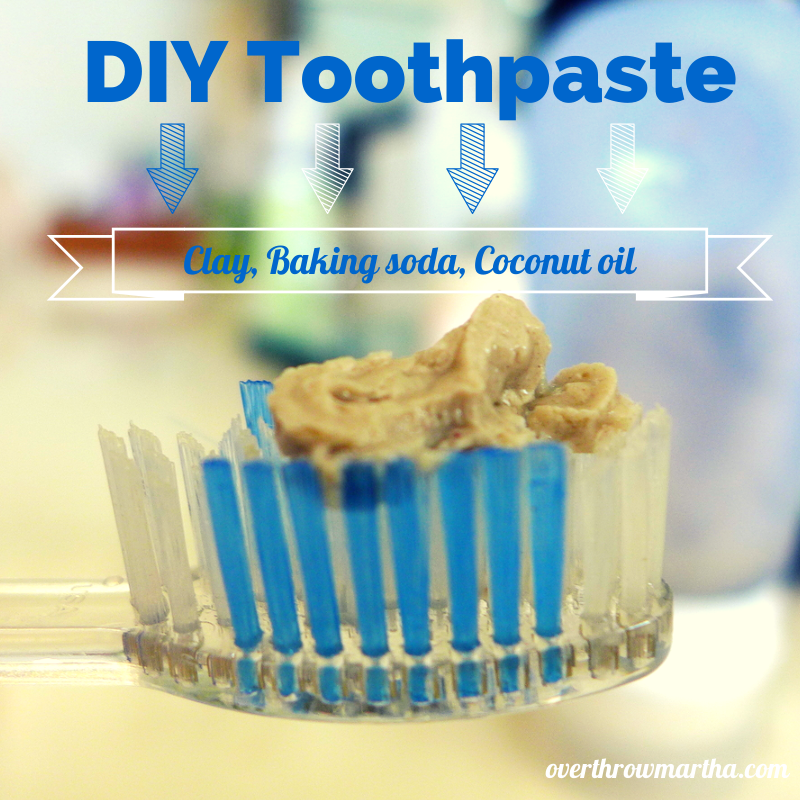 DIY toothpaste with clay, baking soda and coconut oil #DIYbeauty