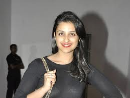 Parineeti-Chopra-Hot-Bollywood-Actress-8