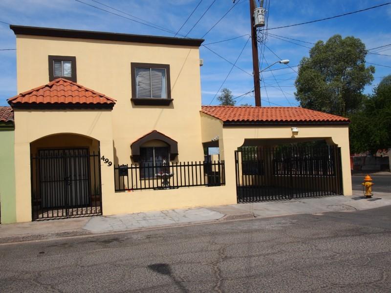 Fachadas de casas modernas fachada de casa moderna con for Fachada de casas modernas con tejas