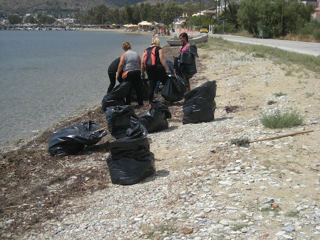 Καθαρισμός του παραλιακού μετώπου από Πευκάκια έως Άγιο Στέφανο