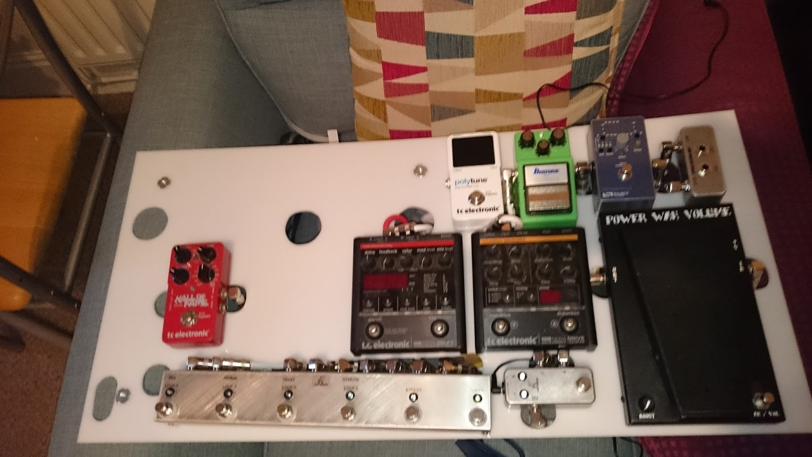 Chrisgpedals August 2015 Pedal Board Wiring As More And Pedals Joined The Ranks It Began To Actually Look Like A Again