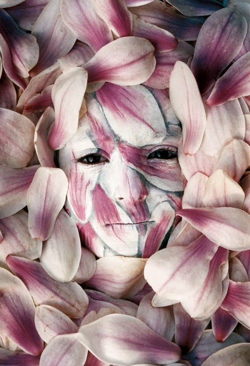 14-Spring-Body-Paint-Johannes-Stötter-Musician-Fine-Art-Body-Painter-www-designstack-co