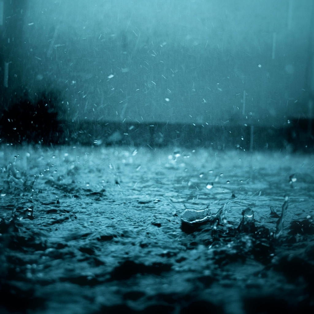 http://1.bp.blogspot.com/-wq0EFV3exH0/T5ysIQIgo3I/AAAAAAAALdI/XgkAOz8YczI/s1600/iPad_Rain_drops_Wallpaper_1024x1024.jpg