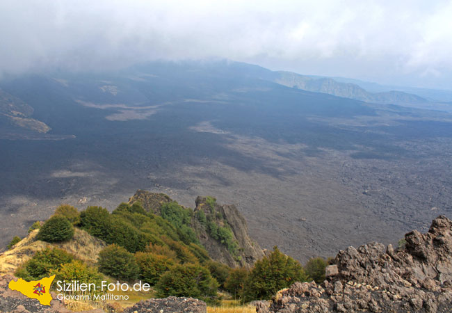 Blick ins Ochsental auf dem Vulkan Ätna
