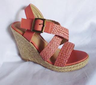http://www.ebay.fr/itm/sandales-femme-compensees-rose-saumon-36-37-38-39-40-41-espadrilles-corail-/291200138300?ssPageName=STRK:MESE:IT
