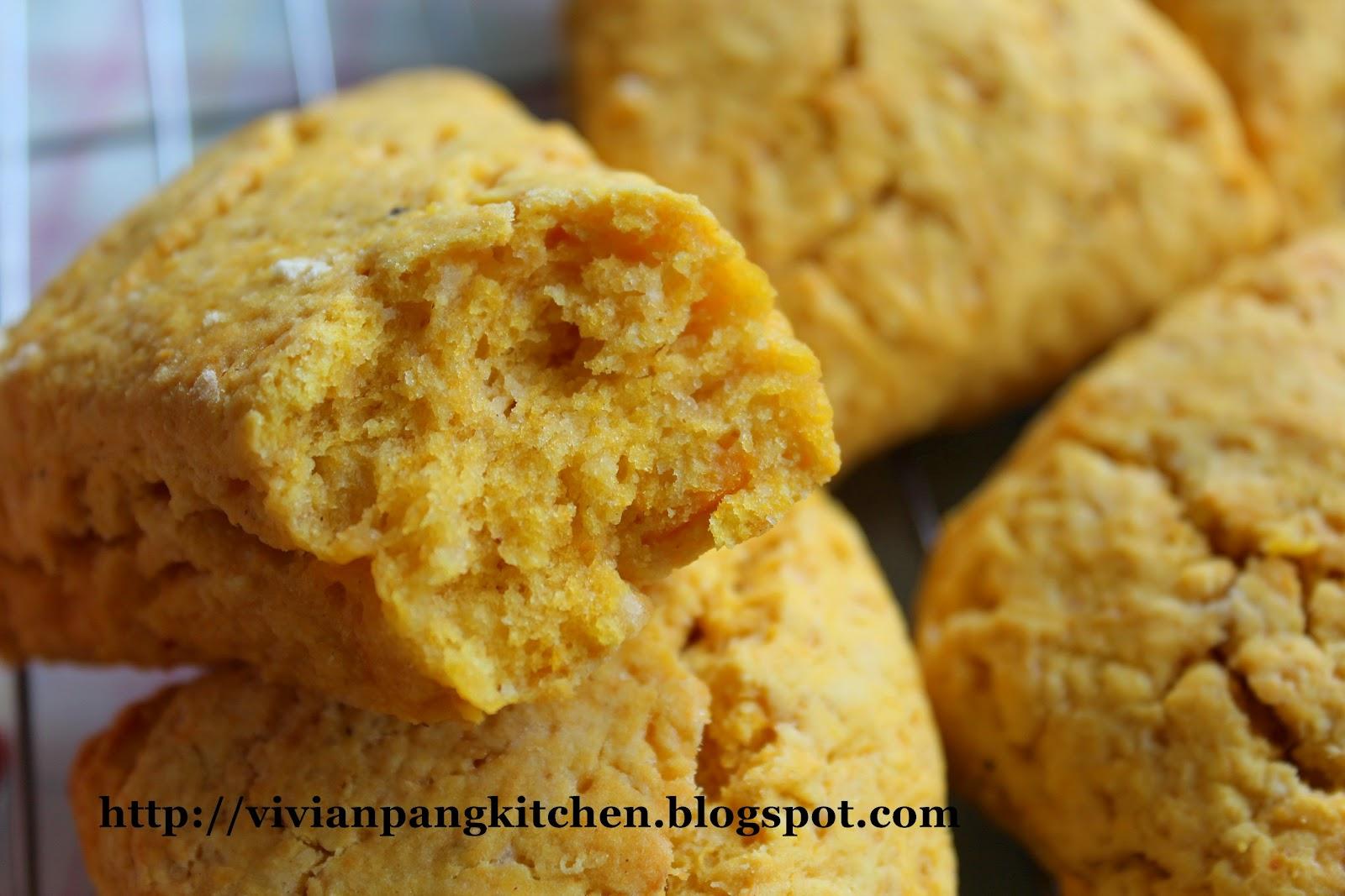 Vivian Pang Kitchen: Starbucks Pumpkin Scones