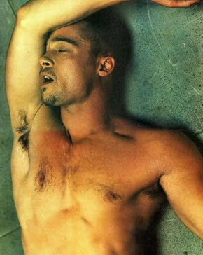 Brad Pitt naked - This is how to look good naked! - The