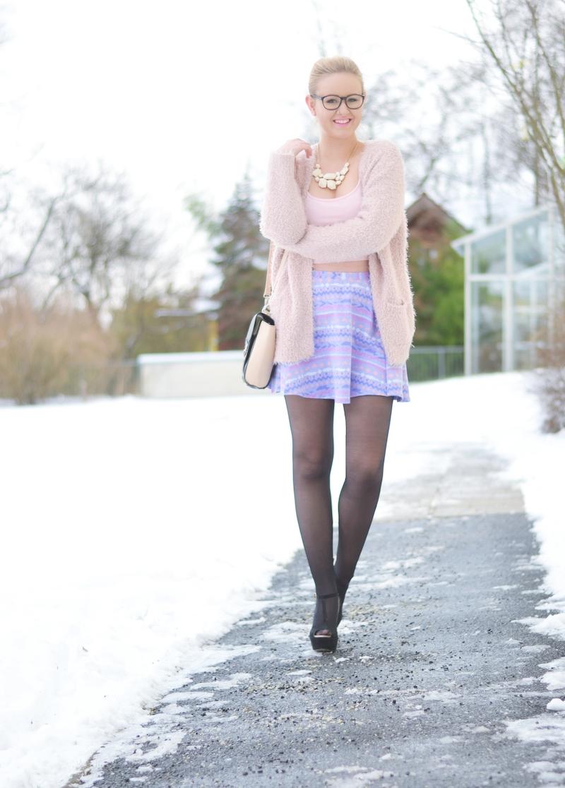 Outfit_Pastellfarben_Plüschcardigan
