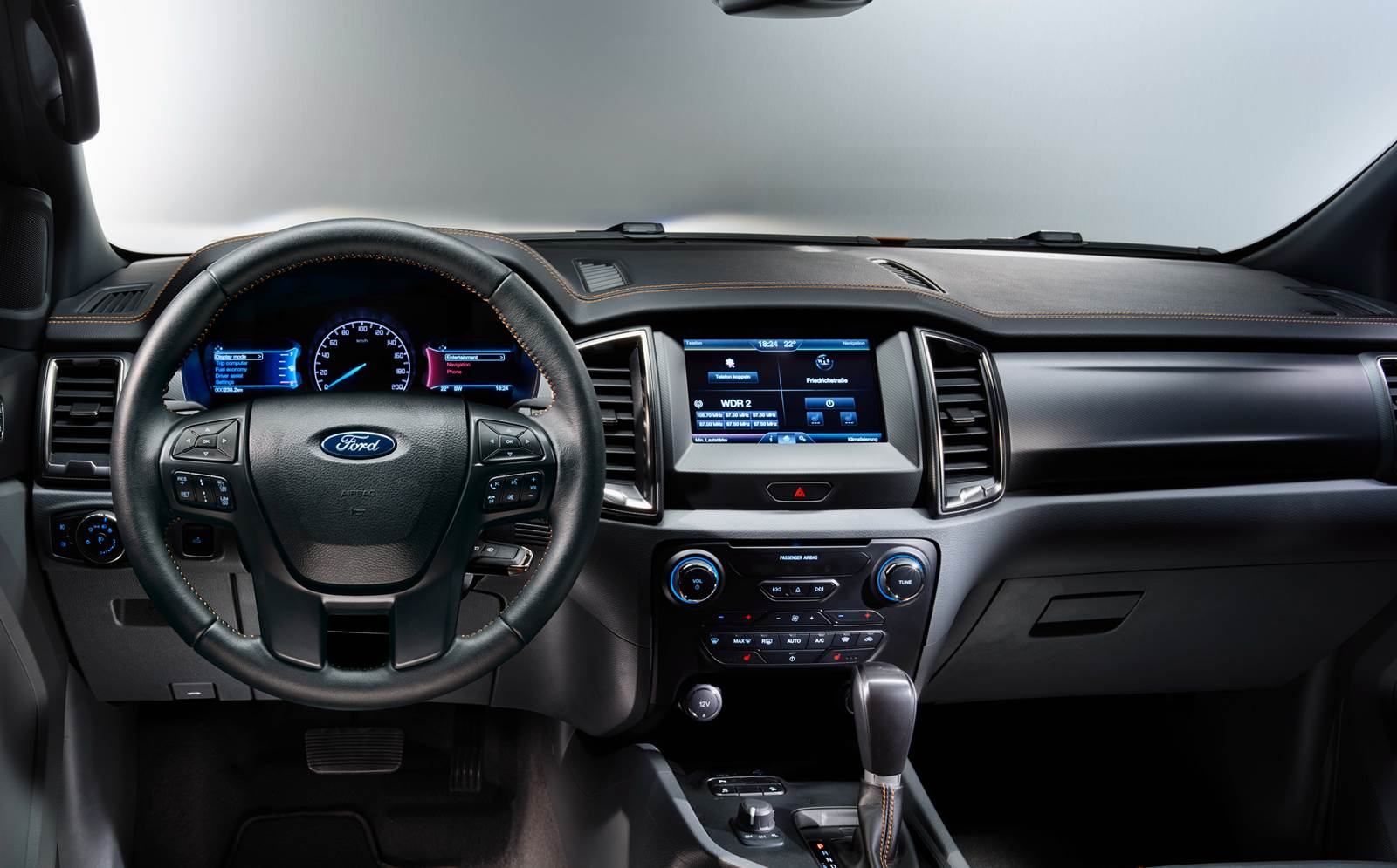Nova Ford Ranger 2016 - interior