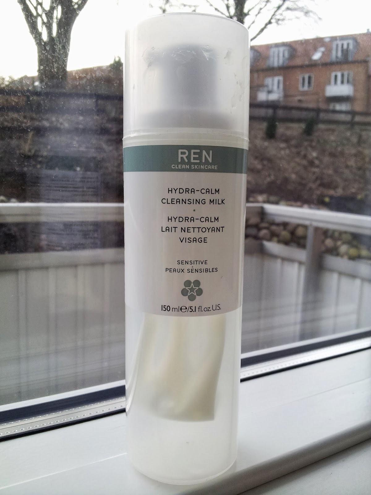 ... in this post, I will be reviewing the REN Hydra-Calm Cleansing Milk