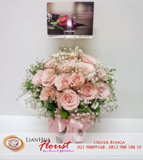 buket bunga, bunga ulang tahun, toko bunga jakarta, toko karangan bunga, bunga mawar ulang tahun